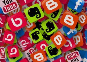 Etre actif sur les réseaux sociaux