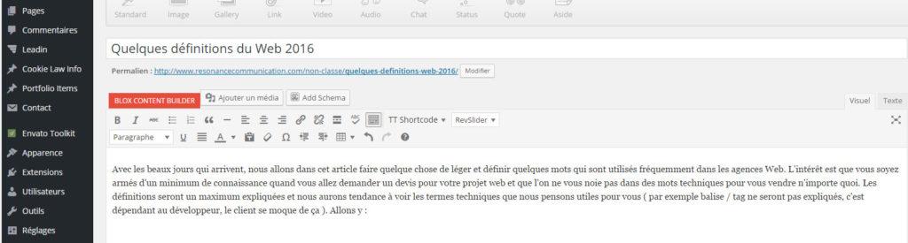 le CMS permet de gérer des pages (onglet à gauche), et d'écrire son contenu comme dans Word (partie centrale)